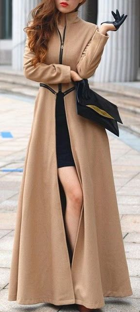 Fall fashion | Camel zipped maxi coat with leather gloves