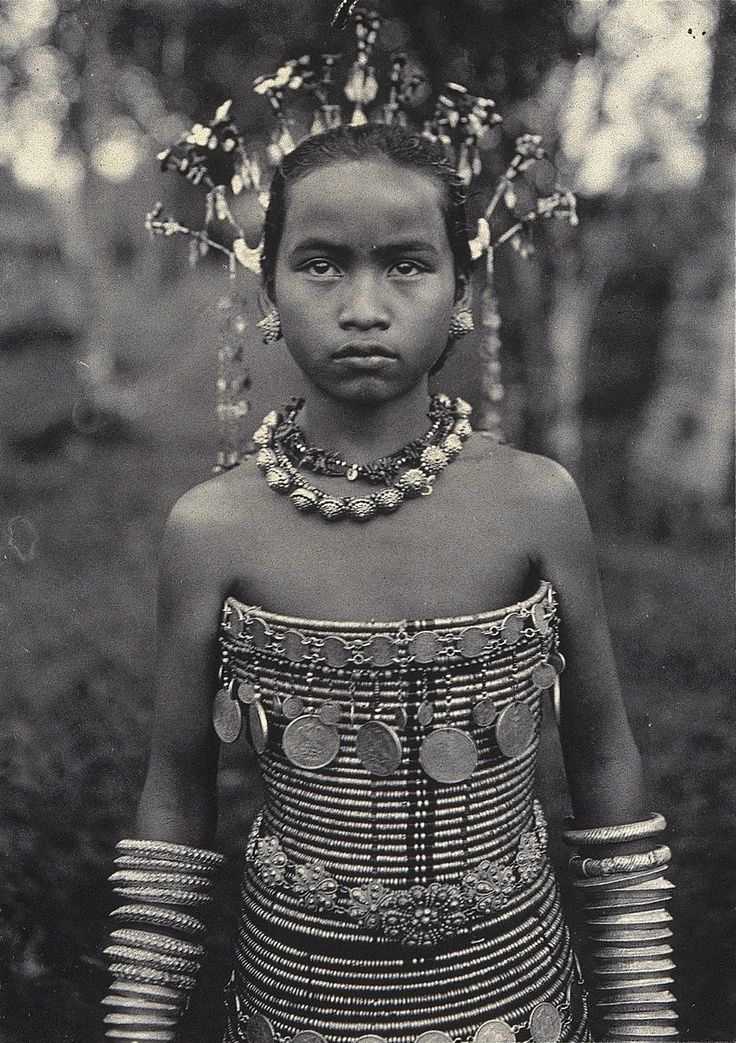Sea Dayak woman   c. 1896   The Wellcome Library   CC BY