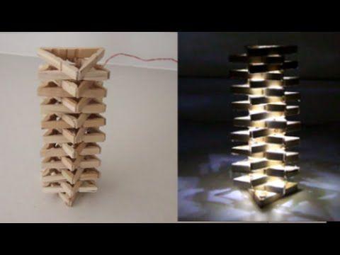 En collant des épingles à linge ensemble à la colle chaude, il réalise un projet vraiment cool! - Bricolages - Des bricolages géniaux à réaliser avec vos enfants - Trucs et Bricolages - Fallait y penser !