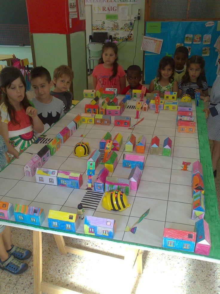 Robòtica i programació a l'escola: Bee-Bots: activitats a la comarca