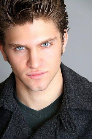 those eyes >>
