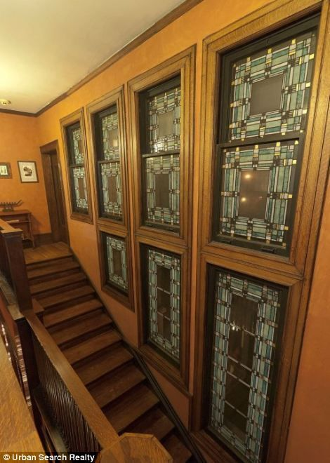 122 best images about frank lloyd wright stained glass on for Frank lloyd wright craftsman style