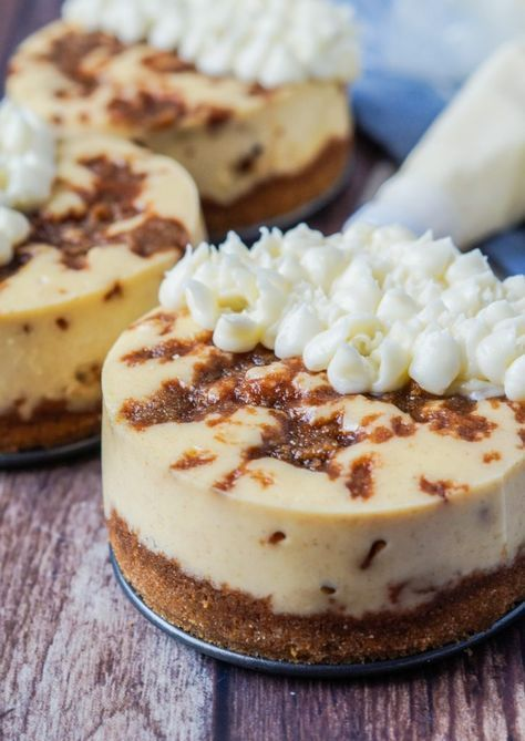 Cinnamon Roll Cheesecake #desserts #cheesecake