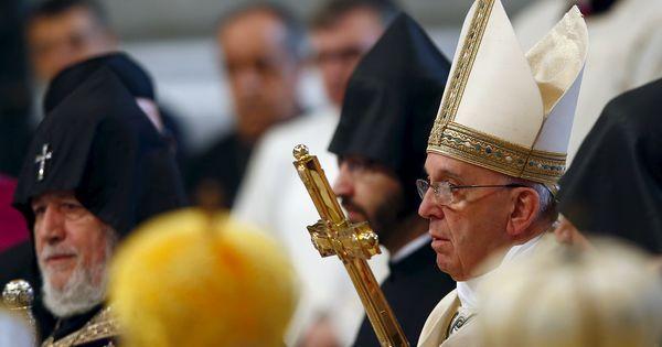 Le pape François évoque le «génocide» arménien