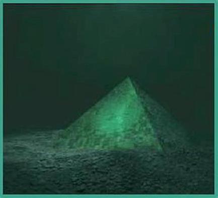 Uma pirâmide gigante encimada com o que parece ser um cristal foi descoberto por mergulhadores no Triângulo das Bermudas.
