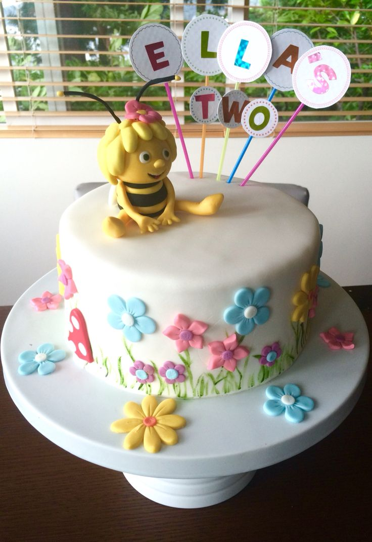 1000 Ideas About Chanel Birthday Cake On Pinterest