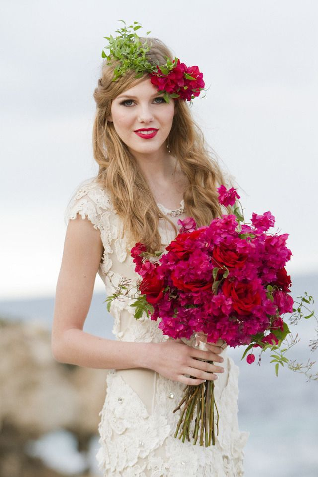 Bougainvillea flower crown and bouquet | Hazel Buckley Photography | see more on: http://burnettsboards.com/2014/02/beach-bridals-beautiful-bougainvillea/