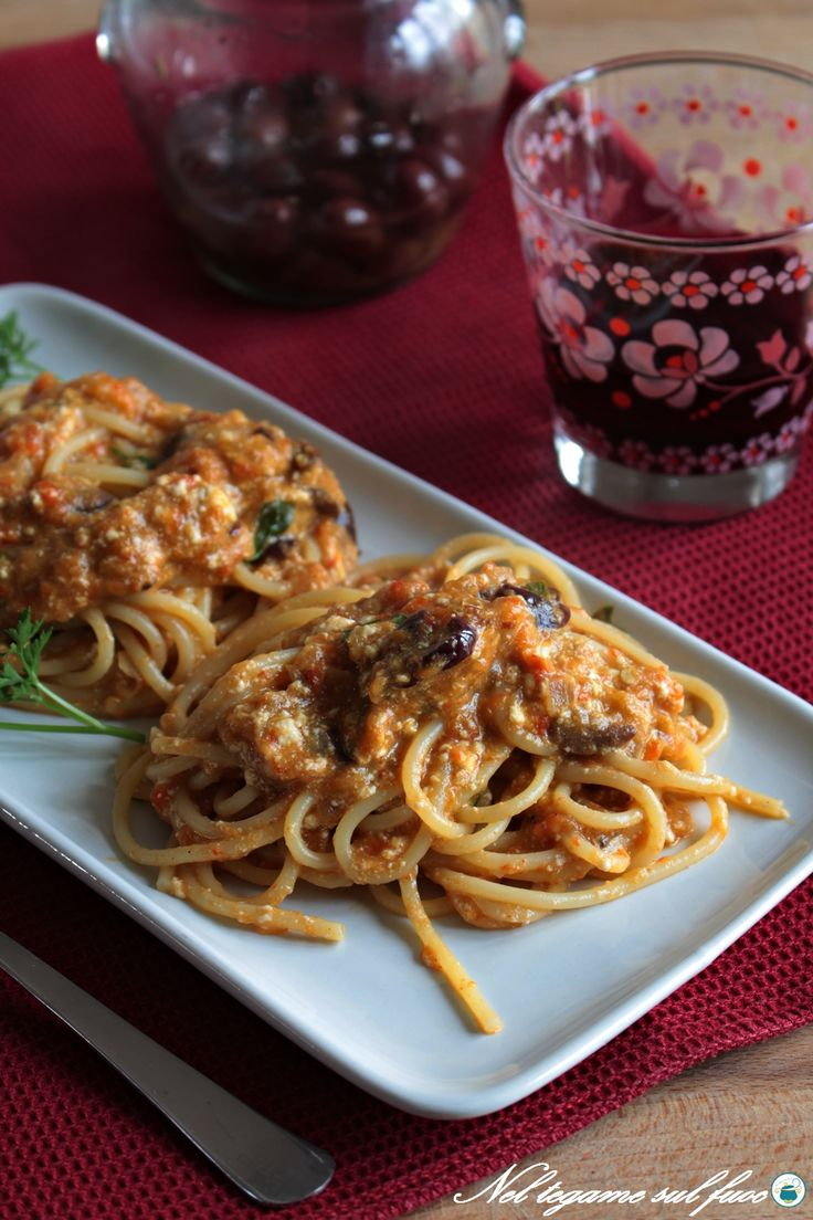 pasta ai peperoni con ricotta e olive