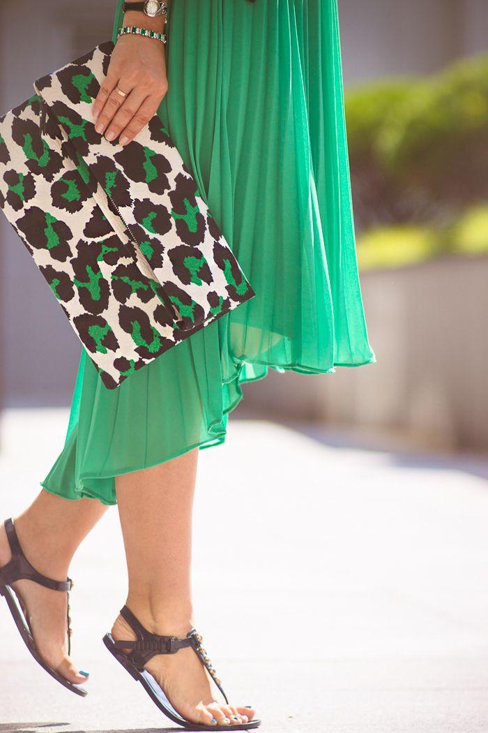 Olga choi fashion blogger myblondegal South Korea Kate-Katy leopard clutch Sheinside blazer emerald green Halston Heritage dress-01313