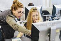 Informatik und Wirtschaft (für Frauen) (B.Sc.)  Hochschule für Technik und Wirtschaft Berlin Schwerpunkt des Studiums bilden die Informatikinhalte. Über die wirtschaftlichen Fächer werden ergänzend dazu Kenntnisse über einen großen Anwendungsgebietes der Informatik vermittelt. Dies eröffnet Ihnen viele attraktive und dynamische Tätigkeitsfelder. Sie lernen, IT-Systeme zu konzipieren und zu realisieren. Sie verbessern Arbeitsprozesse, entwickeln Datenbanksysteme, implementieren…