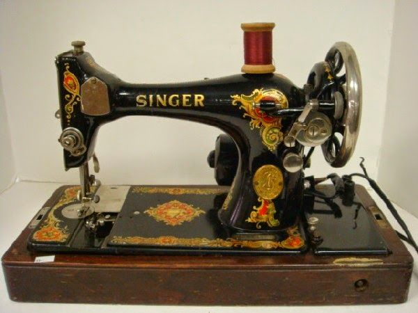23 best machines coudre anciennes images on pinterest antique sewing machines vintage. Black Bedroom Furniture Sets. Home Design Ideas