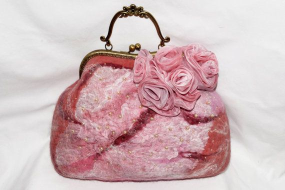 Доставка бесплатно Войлочная сумка  розовая от EleganceCollections, €149.00