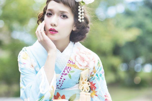 髪型が素敵 CUCURU 水色手描花宴 着物ウェディング 和婚 引き振り袖 水色