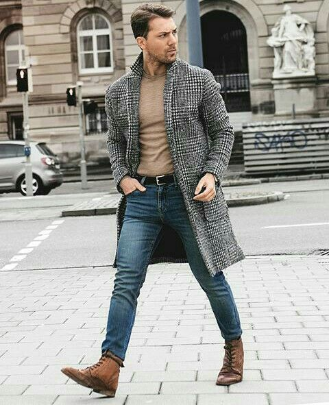 Jeans, tshirt and jacket.