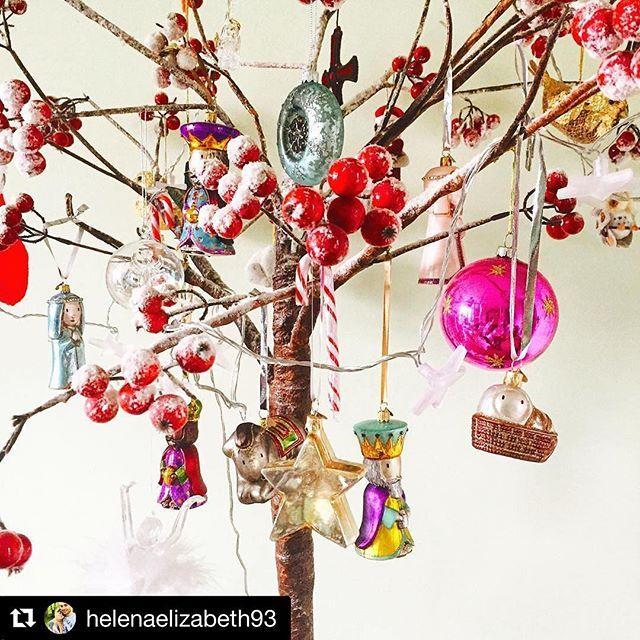 "What a great way to showcase our 'Away in a Manger' set. Thanks for sharing @helenaelizabeth93 #bombki #pretty #followastar ・・・ #Repost @helenaelizabeth93 with @repostapp ・・・ Mum & Dad love their newest addition to their Christmas decorations the @bombki ""away in a manger"" set #bombki #baubles #Christmas #decorations #handblownglass #awayinamanger #wethreekings"