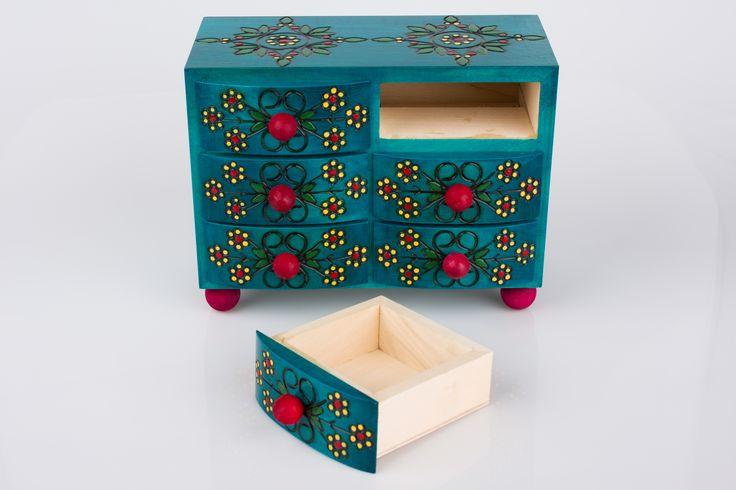 Drewniana komoda góralska z sześcioma szufladkami - turkusowa