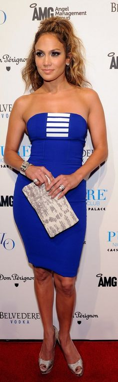 Who made  Jennifer Lopez's blue strapless dress and pumps that she wore in Las Vegas on August 19, 2012?