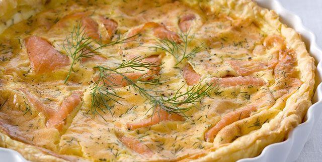 Tarte légère au saumon et ricotta WW, une savoureuse tarte salée, parfumée à l'aneth, facile et simple à réaliser, à servir en entrée ou en plat principal.