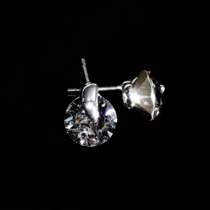 These Classic semi-precious stone earrings are very popular between our customers. Swarovski zirconias plated with silver, available also in gold and ruthenium. Delicate jewelry for you.  http://danishaccessories.com/classic/19-earrings-e10005.html  #Danmark #smykker #øreringe #sølvbelagt