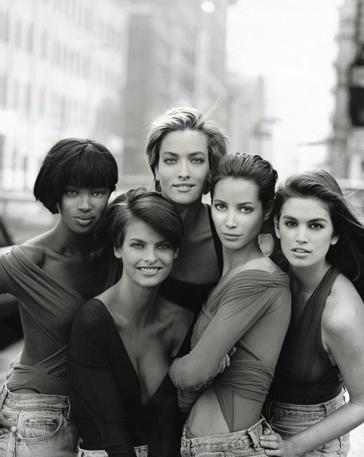 1990. Vogue. Model Naomi Campbell, Linda Evangelista, Tatjana Patitz, Christy Turlington and Cindy Crawford. Photo by Peter Lindbergh (B1944)