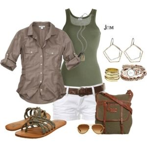 Cute outfit for summer vacation but I would change the sandals to converse or ankle boots