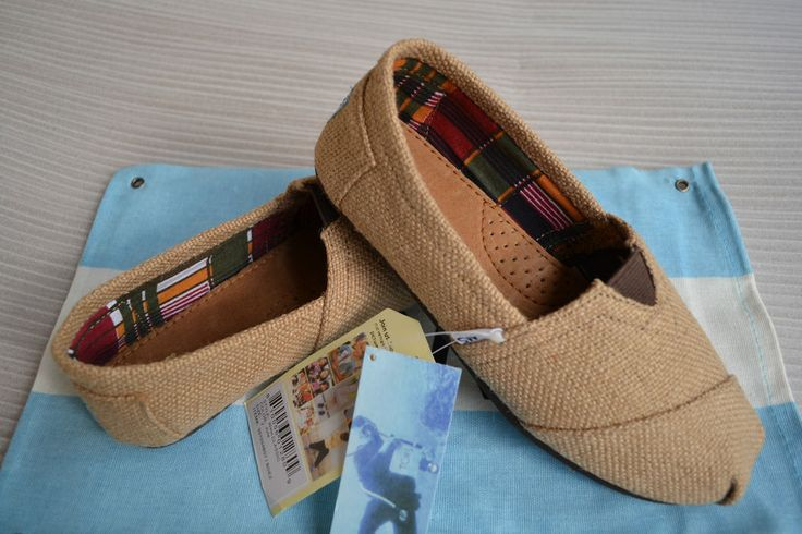 NEW TOMS Women Classic Natural Burlap Beige SHOES US  Size 6-9 #Toms #Flat