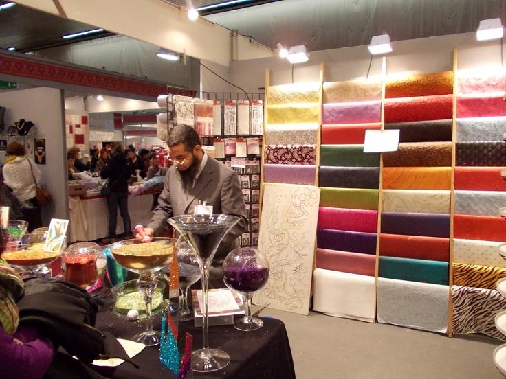 Exhibidor de telas y papel art pinterest for Telas para visillos de salon