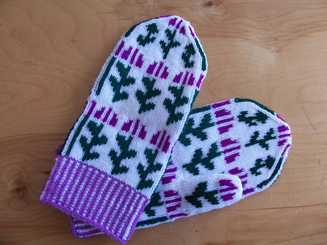 Thistle Mittens!  Thistles are the Scottish National Flower. Knitted mitten pattern.  http://www.ravelry.com/patterns/library/thistle-mittens-2