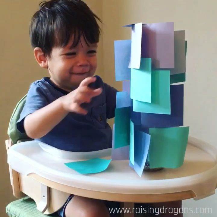 Sticky Note Tower * Age 1-2 years Drag rearing of dragons