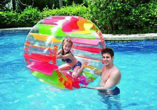 Water Speelrad: Kinderen vinden het geweldig om in dit opblaasbare waterrad te rollen. Je kunt dit speelrad ook op het… #gadget #cadeau