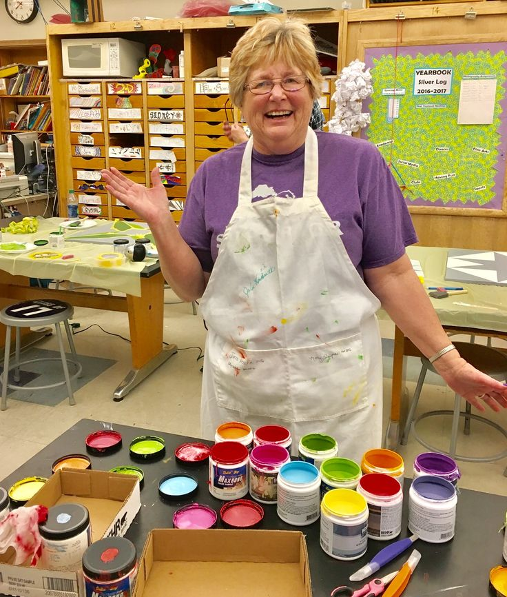 Want to have a class in learning to paint Barn Quilts? That's funtabulous and affordable! Do you live in the Minnesota area? I teach BQ classes and will travel! I teach all over Minnesota at all different venues! Check out my FB page Cynthia Buchholz.  Bittersweet Barn Quilts!