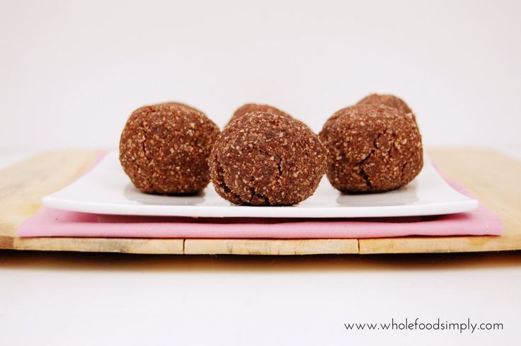 Nut Free Two Minute Baked Brownie Balls. Simple. Delicious. Free from gluten, grains, dairy, egg, nuts and refined sugar.