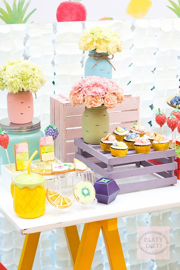 Top of the morning, everyone! Today, we're taking you to a fresh and colorful celebration! Sasha's birthday is not just your ordinary baby bash, cause it features a tutti fruity theme with a modern twist! Party Deco did a great job in styling this affair, and we can't get enough! Look at those colors!! Thanks Tyron Cruz…