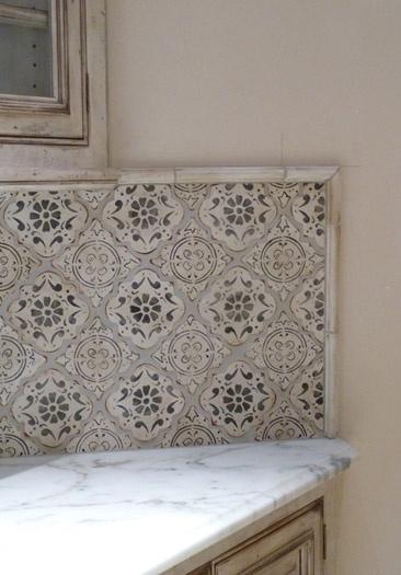die besten 25 mediterranean tile ideen auf pinterest k chenfliesen im mediterranen stil. Black Bedroom Furniture Sets. Home Design Ideas