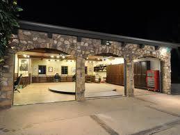 Superior Cosy Garage!