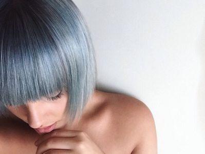 Horúca+beauty+novinka:+Vlasy+vo+farbe+džínsov+valcujú+sociálne+siete