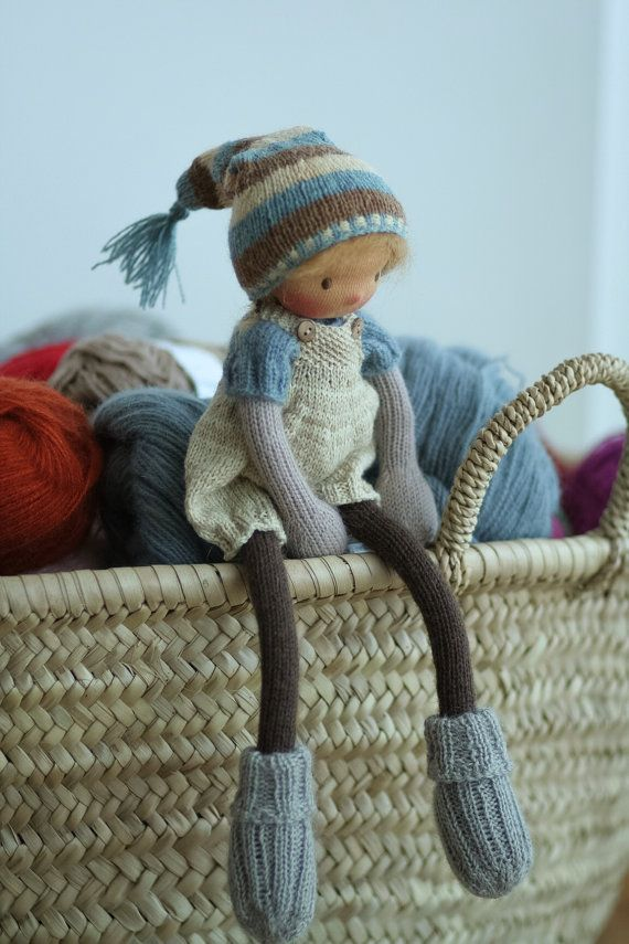 Cette poupée est réservée pour Ania. Sil vous plaît, nachetez pas si vous nêtes pas Ania. Poupée de fabrication artisanale selon la