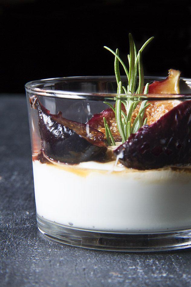 Yogurt greco con fichi caramellati al balsamico