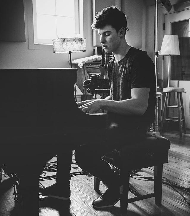 @ziggy_chareton So excited for this new @shawnmendes music coming tonight!