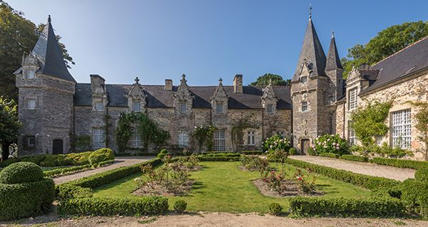 Rochefort-en-Terre - Région Bretagne - Le village préféré des français - France 2