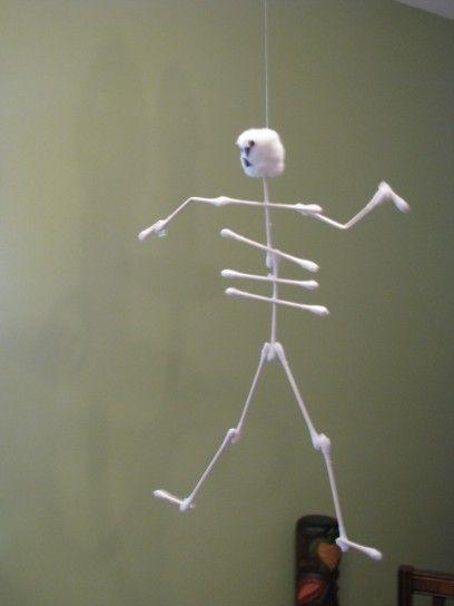 Halloween lavoretti scheletro cotton fioc
