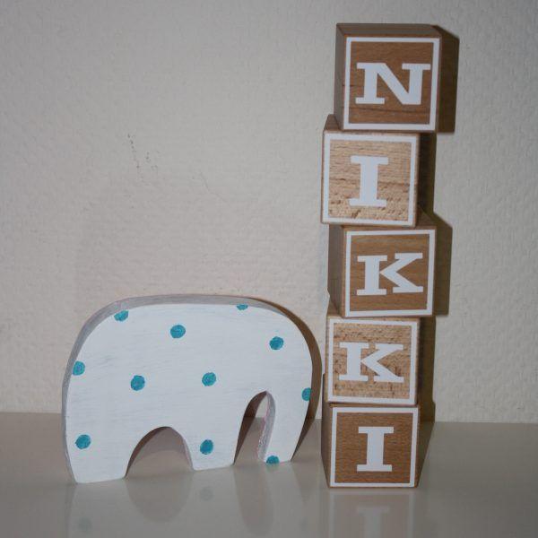 Naamblokken Nikki, mooie houten blokken om neer te zetten in de kinderkamer