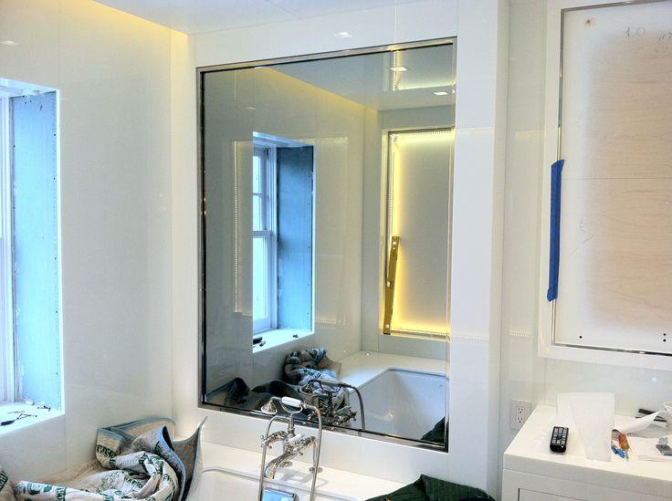 idea bagno - Specchio con Tv nascosta all'interno