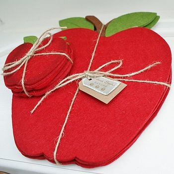 placemats that look like apples