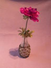 Gezellig bloemetje op tafel