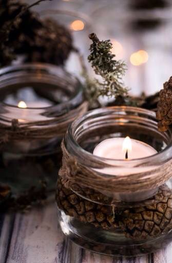 ** Mason jar, Pinecones, tea light candle