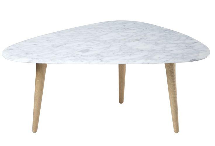 table basse avec un pi tement 3 pieds en ch ne massif et un plateau un marbre laqu brillant. Black Bedroom Furniture Sets. Home Design Ideas
