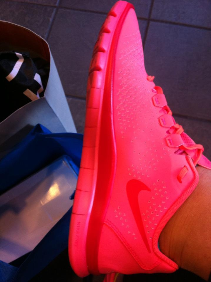 My new fuxia NikeRunning Shoes, Fuxia Nike, Nike 3, Nike Running, Fit Inspiration, Fit Apparel, Clothing Shoes Jewelry Make Up, Pink Nike, Shoes Closets
