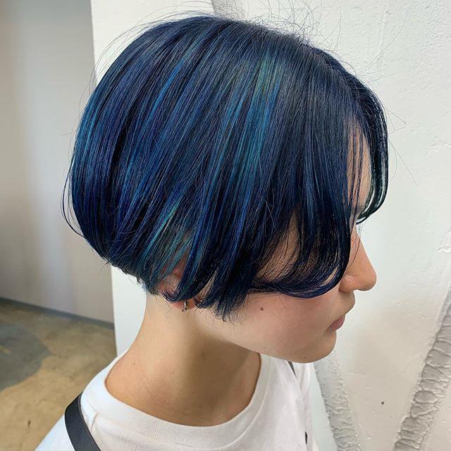 派手髪 大阪美容室 ウルフカット デザインカラーはinstagramを