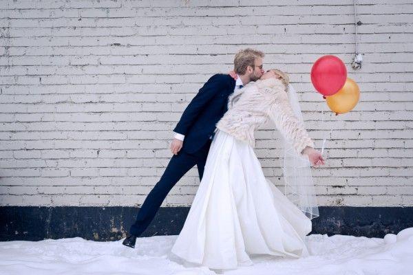 Swedish winter wedding / Published on www.dittbrollop.se / Photo: Vinger Elliot Fotografi